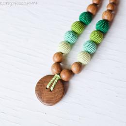 Collier d'allaitement et de portage - colori vert et bouton en bois