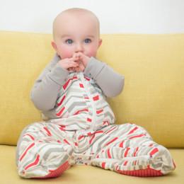 Pyjama / sac de couchage - Flèches rouges TOG 2.5 / 2-12 mois *