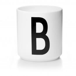 Tasse en porcelaine B