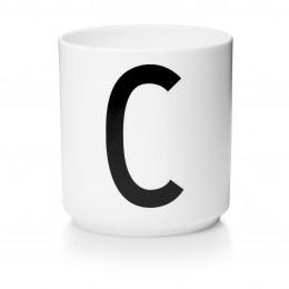 Tasse en porcelaine C